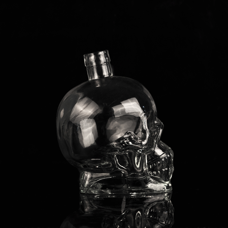 Skull face whisky vessel wine glass bottle