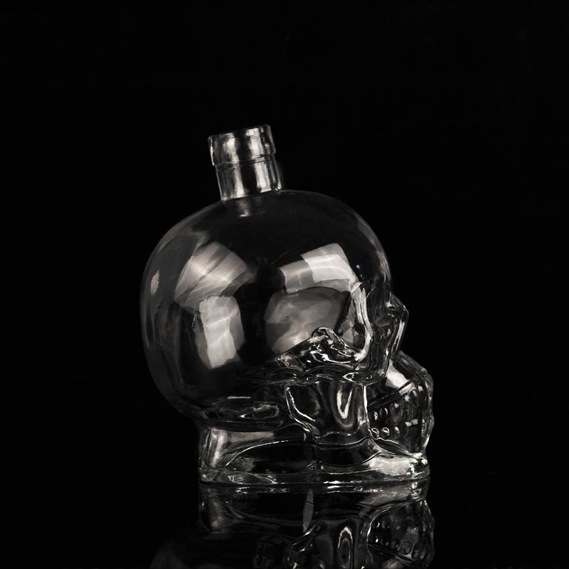Skull face whisky vessel wine glass bottle