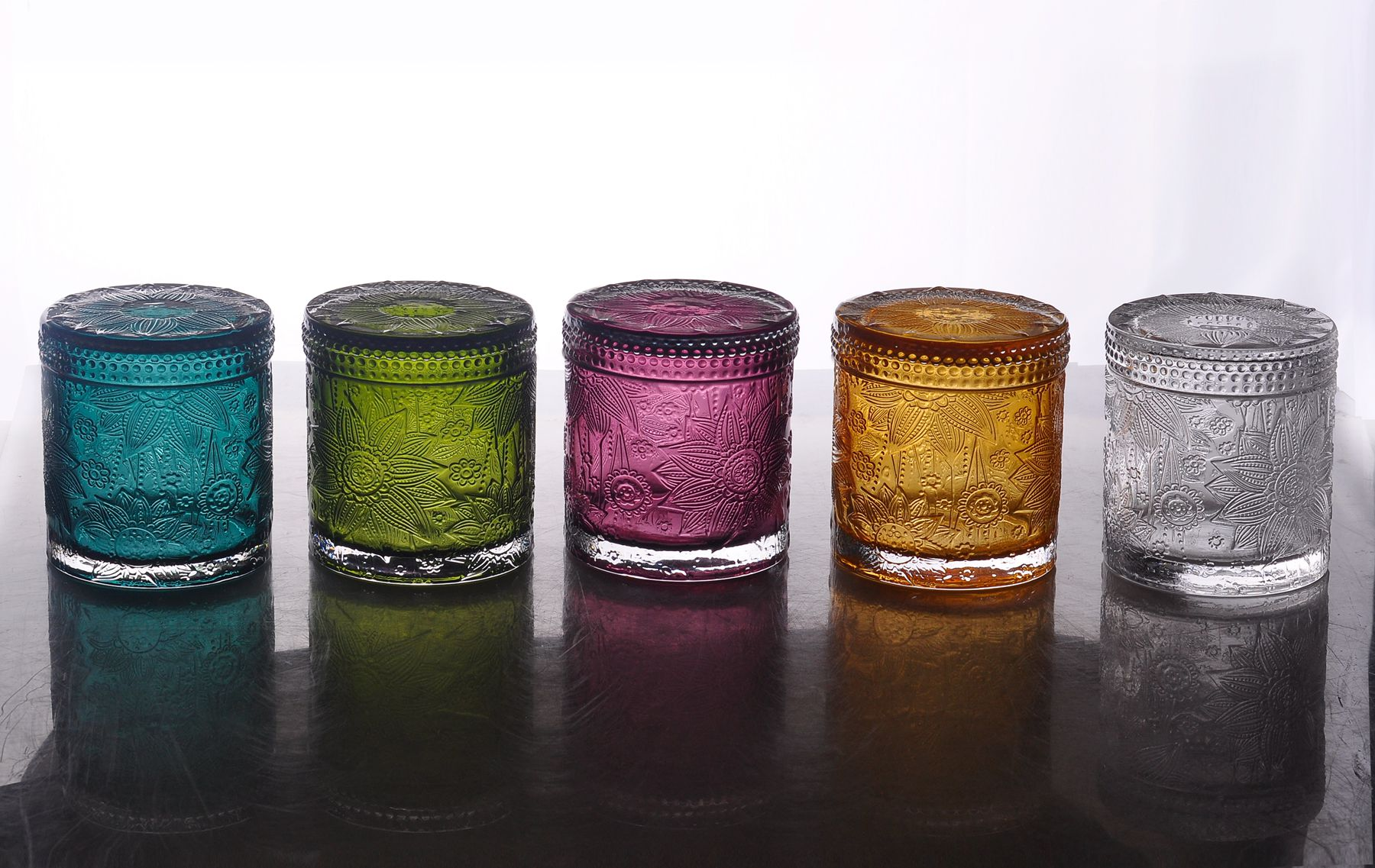 Luxury Embossed Glass Candle Jar With Glass Lid For Wax Making