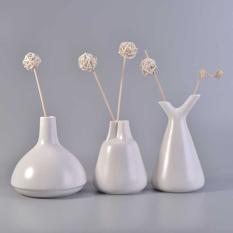 Decorative aroma white ceramic reed diffuser bottles
