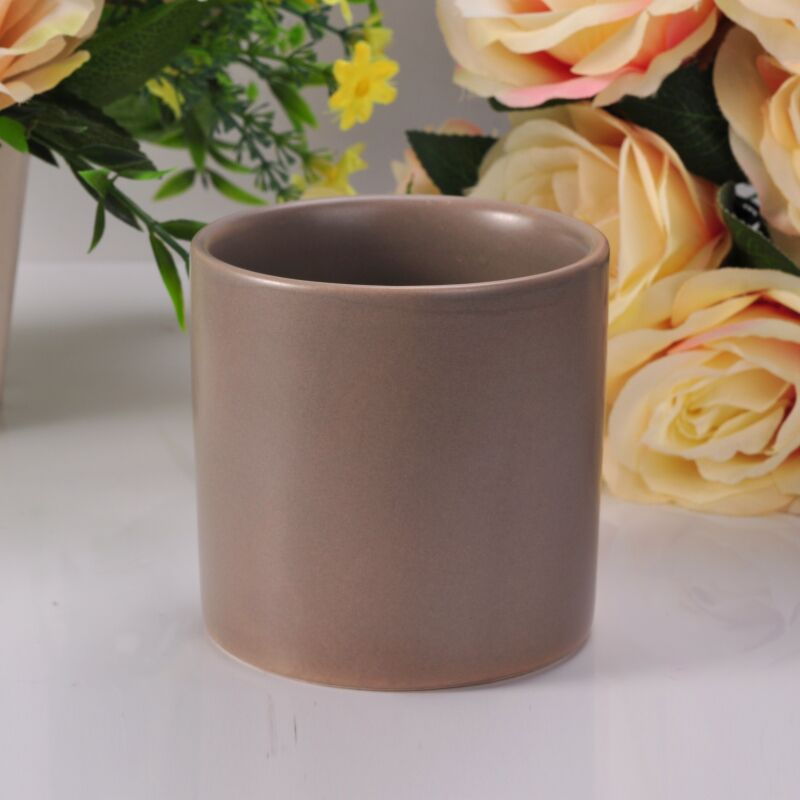 ASTM Passed Cylinder Brown Color Glazed Ceramic Candle Holder with Low MOQ