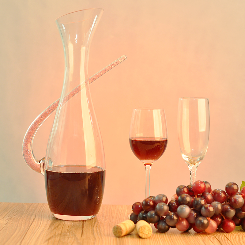 how to clean a wine decanter