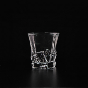 China Manufacture Clear Whiskey Drinkware Square Wine Glass