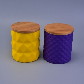 China 22oz diamond matte finish colored ceramic candle holders with wood lid factory