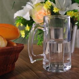 China 360mL High Quality Bear Glass Drinking Glass with Handle factory