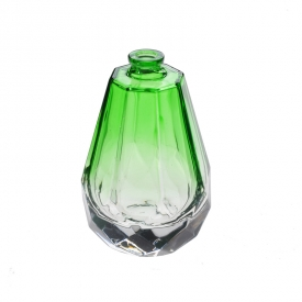 China Green spray perfume bottle factory