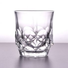 China Luxury design high white whisky glass cup factory
