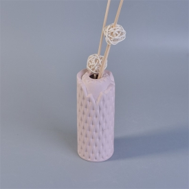 China Matt Pink Woven Pattern Ceramic Aroma Diffuser Bottle for Home Fragrance factory