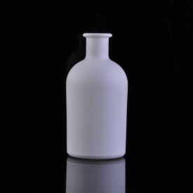 China Pure white color coating round glass aroma essencial bottle factory