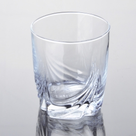 China Round machine blown soft drinking glass cup factory