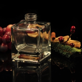 China Square clear glass perfume bottle with screw top factory