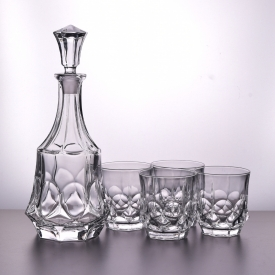 China kilang Unik Whiskey Decanter Dan Glasses Bar Set Wholesale