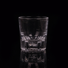China Wholesale  Transparent Whisky Cup Shot Glass Tumbler for Drinking factory
