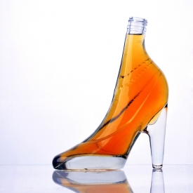 China high-heel shoe shape glass wine bottle factory