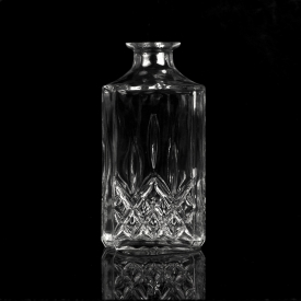 China luxurious high white whisky glass bottle wholesaler factory