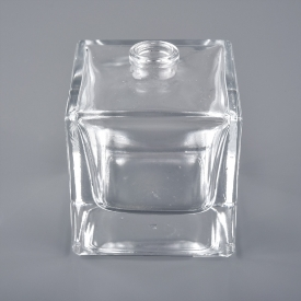 China wholesale 20ml 25ml square shape screw perfume glass bottle factory
