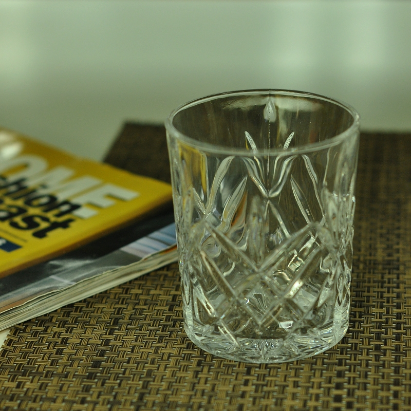 kerzenhalter aus glas becher kerzenhalter wedding farbigem glas kerze halter. Black Bedroom Furniture Sets. Home Design Ideas