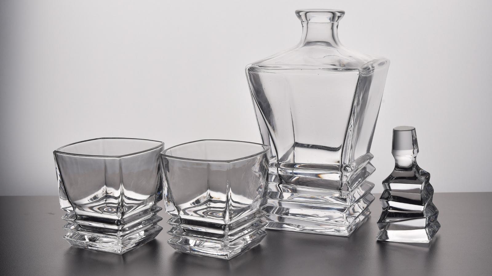 Square Design Crystal Whiskey Decanter Set Wholesale