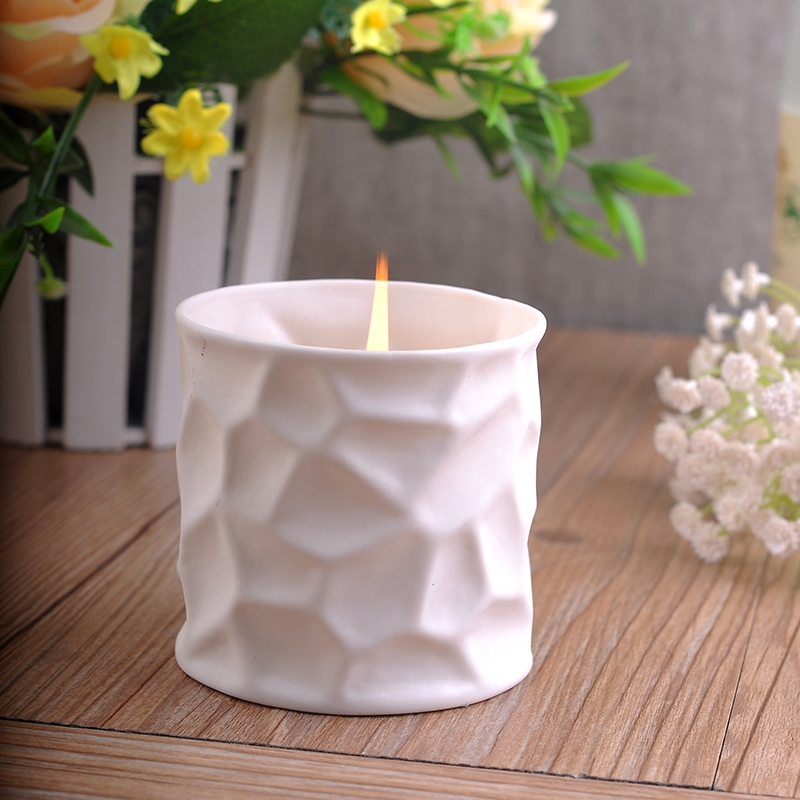 Our unique tea light candle holders come in a variety of shapes and designs. From glass lotus flowers to animals shapes, you'll find the perfect candle holder for any occasion or decor.
