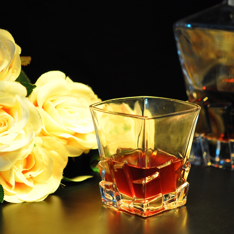 square whisky glass for wholesale whicky glass whisky. Black Bedroom Furniture Sets. Home Design Ideas